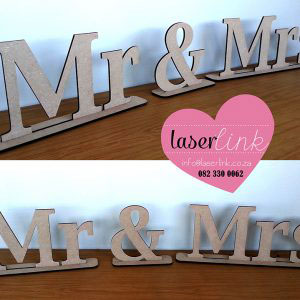 Mrs and Mrs Table Signs 001