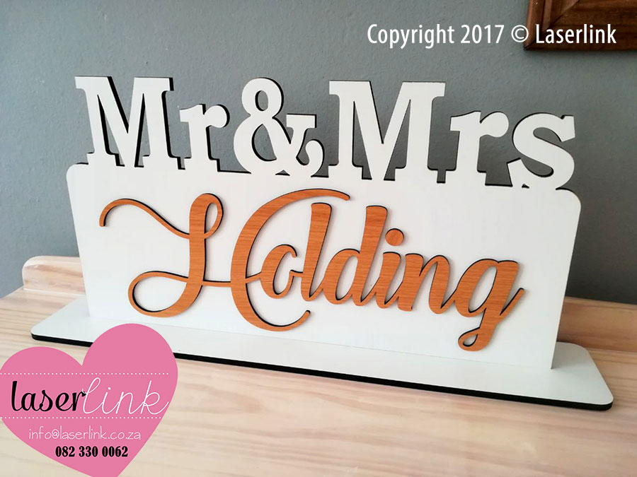 Mrs and Mrs Table Signs 003